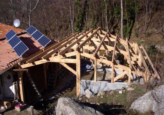 Charpente de bois équarri (facade avant)