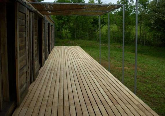 Terrasse suspendue (coté)